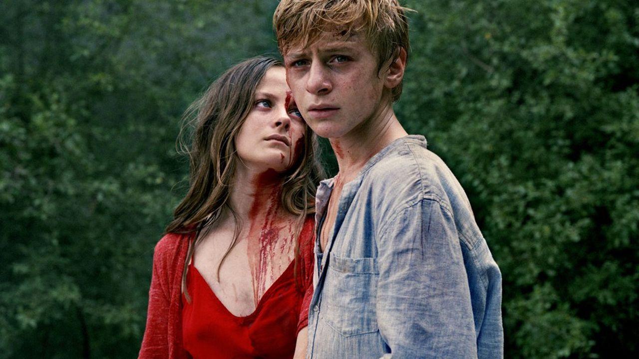 Paul (Thomas Gioria) et Gloria (Fantine Harduin) embarqués dans une balade sauvage.