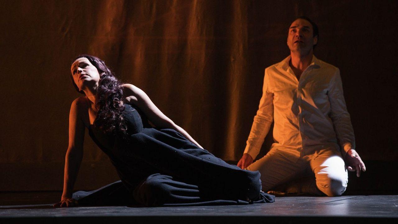 La mise en scène d'Aurélien Bory, un théâtre d'ombres et de lumières…
