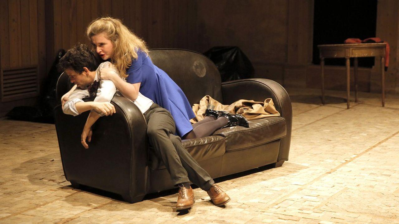 Marianne Basler et Maxime d'Aboville affûtent la cruauté d'Inès et de Garcin, devenus deux lions en cage dont Estelle, subtile Mathilde Charbonneaux, est l'ambivalente proie.