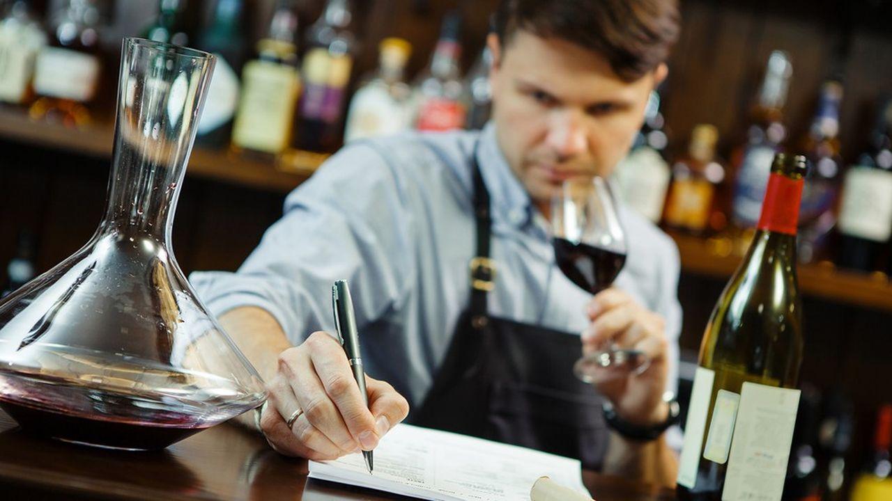 Chef de cave, oenologue, vinificateur… l'expérience de terrain et les références sont importantes pour les recruteurs lorsqu'il s'agit de trouver le bon profil pour prendre la direction d'un domaine.