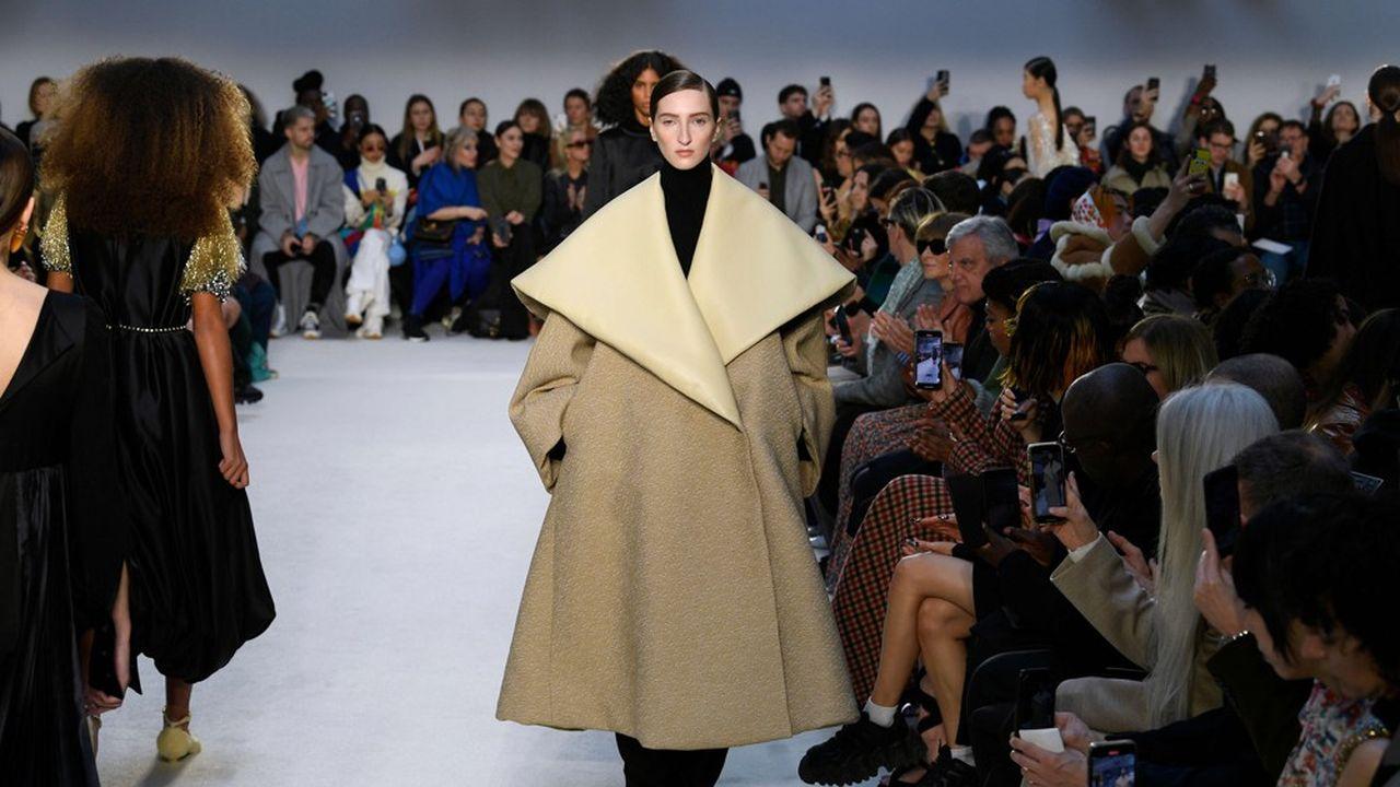 Fashion Week Automne-Hiver 2020-21: épure et inventivité chez JW Anderson
