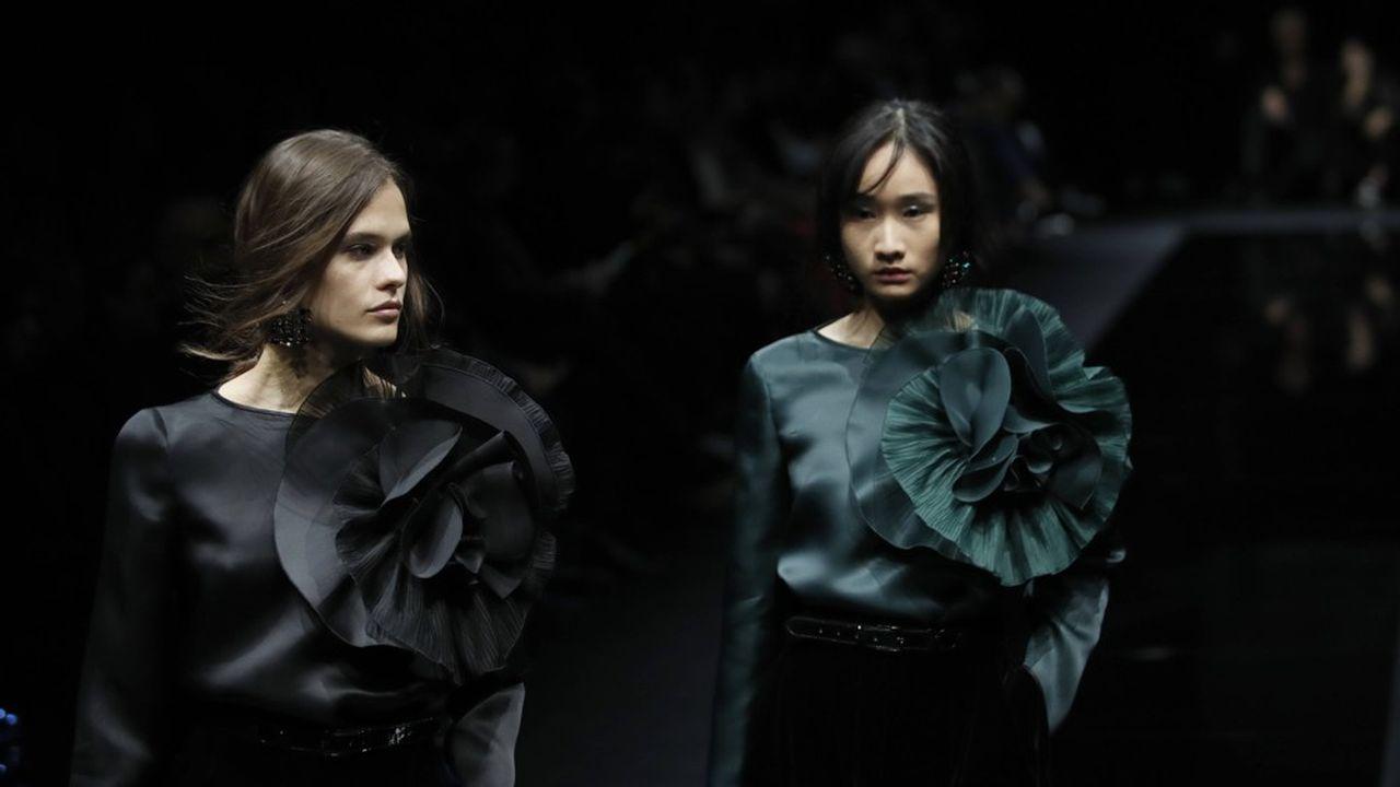 Fashion Week Automne-Hiver 2020-21 : élégance et poésie chez Emporio Armani