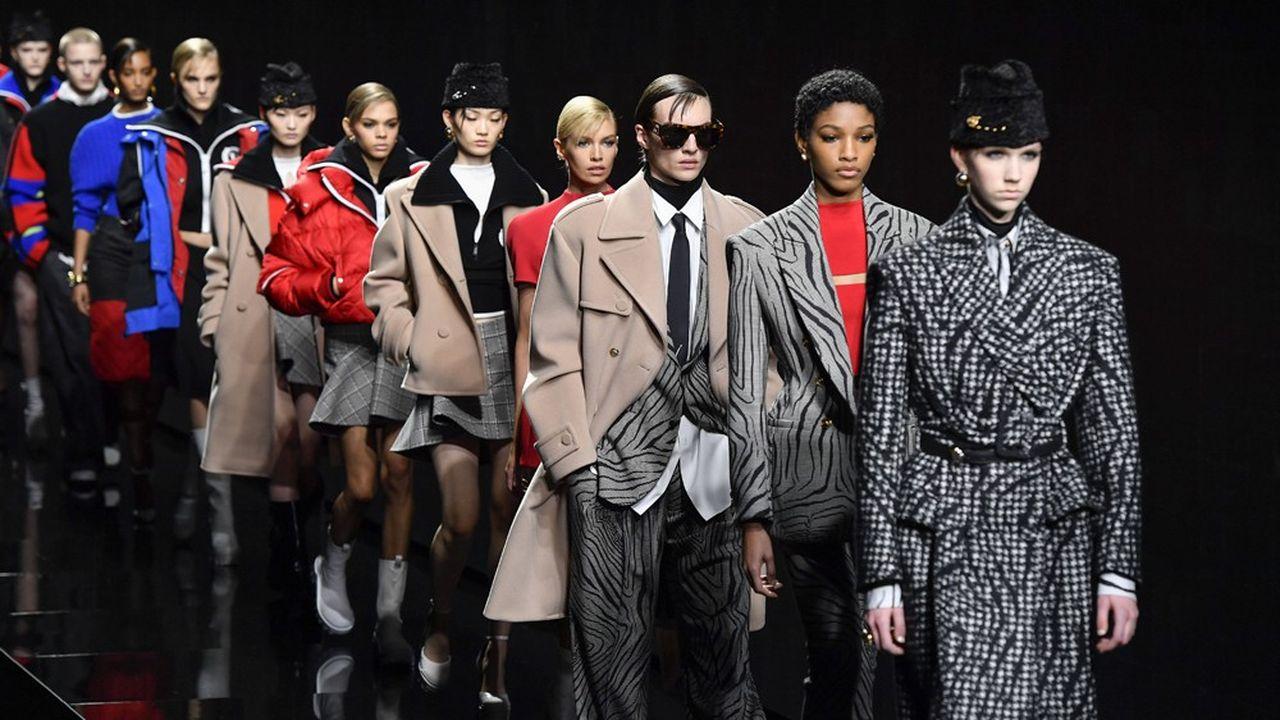 Fashion Week Automne-Hiver 2020-21 : le show multi-facettes de Donatella Versace