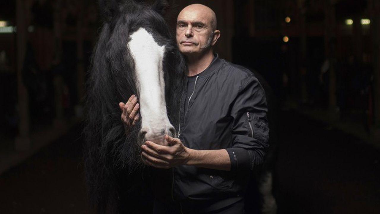 Bartabas raconte certains ses chevaux depuis le moment où il les a découverts jusqu'au moment où ils révèleront leur âme.