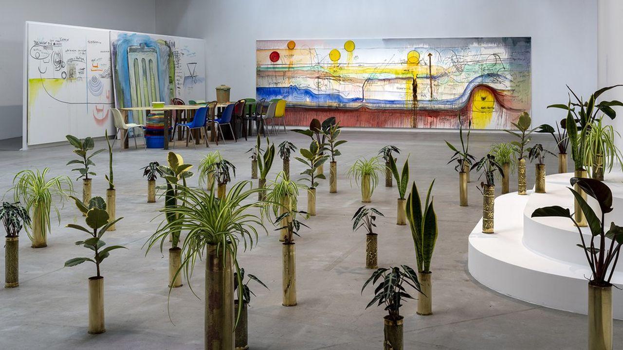 Le Congolais Sammy Baloji (né en 1978) a imaginé une installation de plantes vertes très particulière.