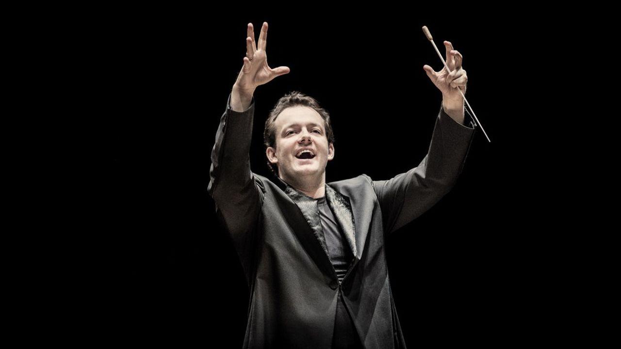 Letton de 40 ans, Andris Nelsons estdirecteur de l'Orchestre symphonique de Boston et de l'Orchestre du Gewandhaus de Leipzig.