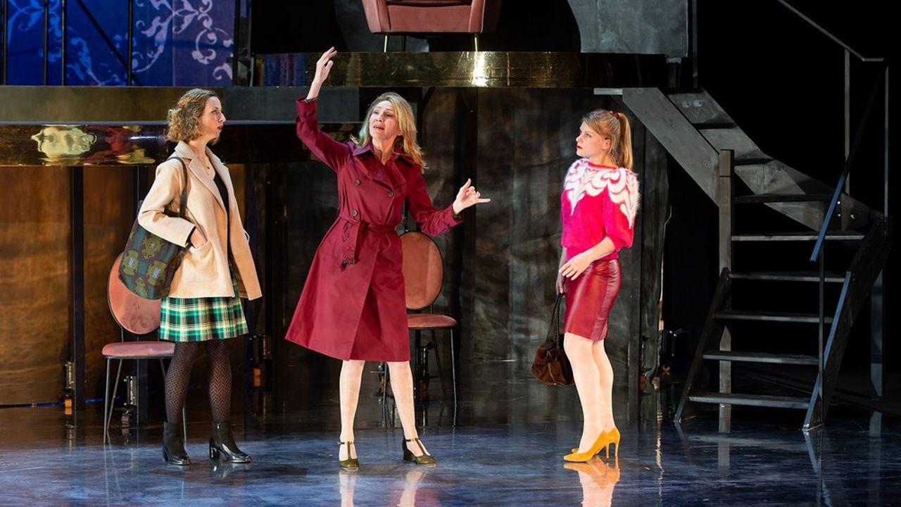 Les trois femmes... Judith Schmertz (Caroline Arrouas), Nora Wurtz (Marie-Armelle Deguy), Marion Goulon (Anne-Lise Heimburger).