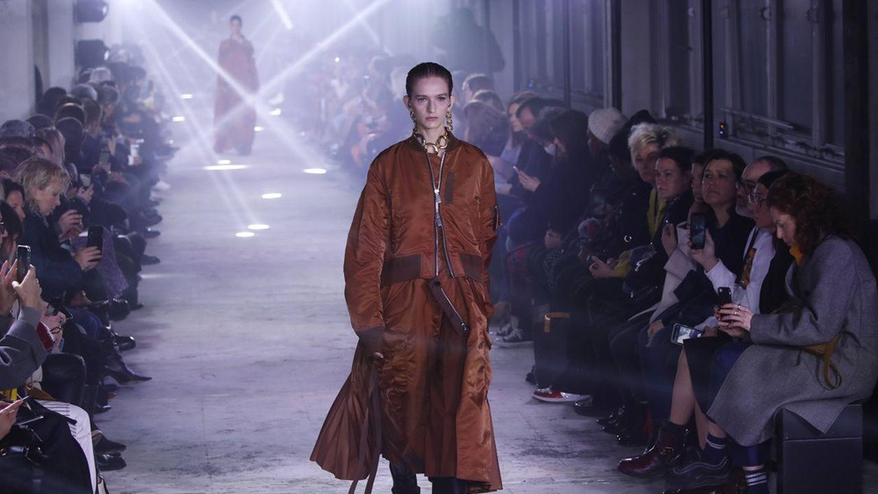 Fashion Week Automne-Hiver 2020-21: le chic moderne de Sacai