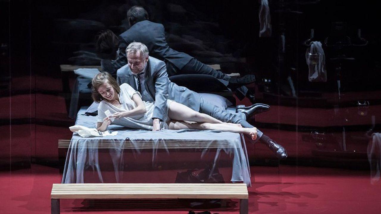 Le théâtre de l'Odéon a inauguré une rubrique «Théâtre et canapé» où Molière, et notamment «L'Ecole des femmes» mise en scène par Stéphane Braunschweig, est à l'honneur.