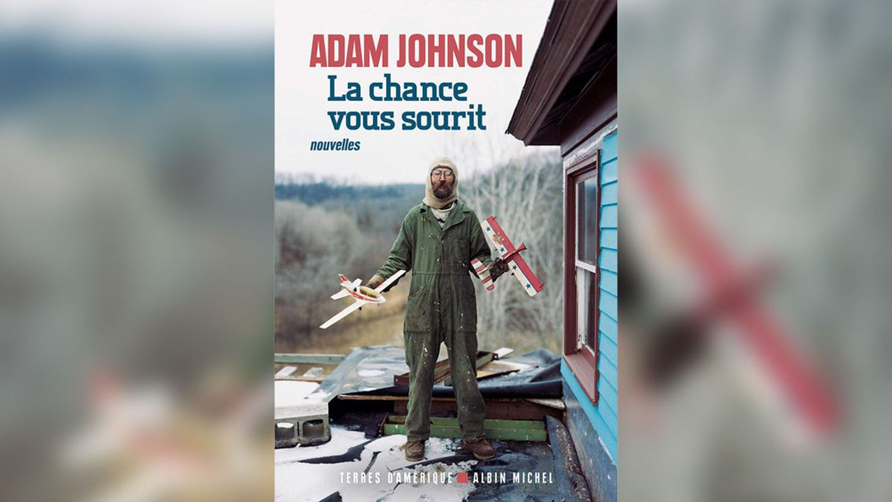 «La chance vous sourit»: le regard noir d'Adam Johnson