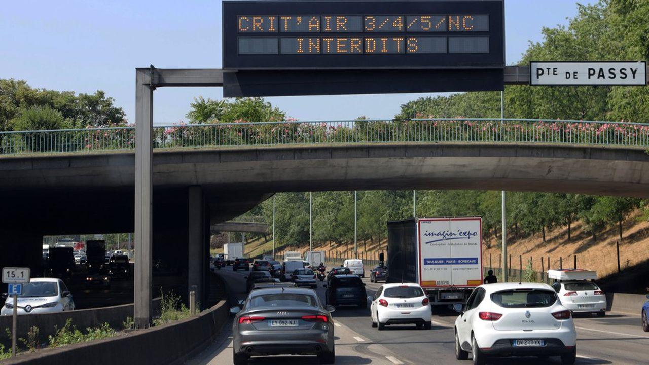Paris, Lyon et leur agglomération ont mis en place ce mardi une circulation différenciée, afin de limiter la pollution atmosphérique.