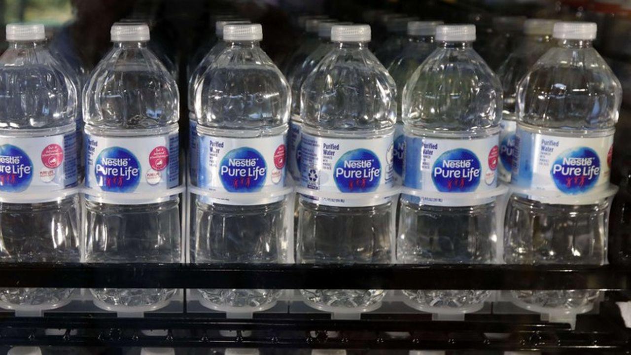 Nestlé envisage de stopper la livraison directe aux entreprises et aux consommateurs américains de la marque Pure Life.
