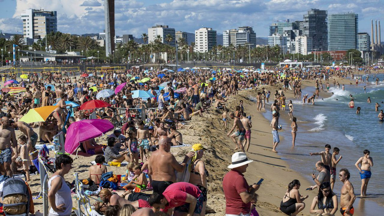 Le secteur touristique espagnol réclame d'ouvrir au plus vite le pays pour sauver la saison.