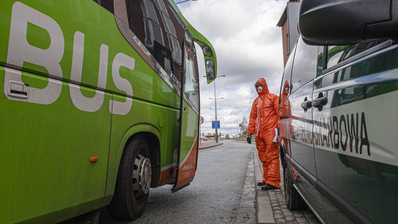 Pendant l'épidémie partout en Europe, les contrôles sanitaires ont compliqué les opérations internationales de FlixBus. Ici, la frontière entre la Pologne et la République tchèque.