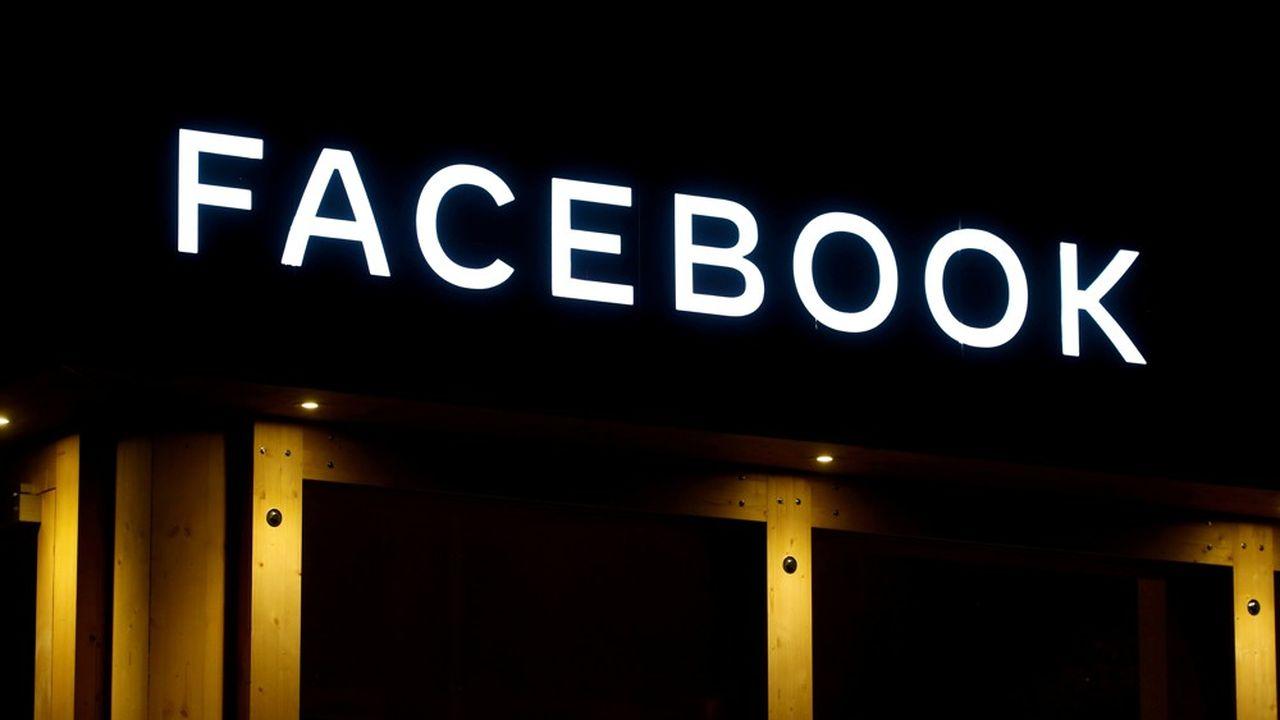 Le bras de fer entre les éditeurs de presse et Facebook est mondial.
