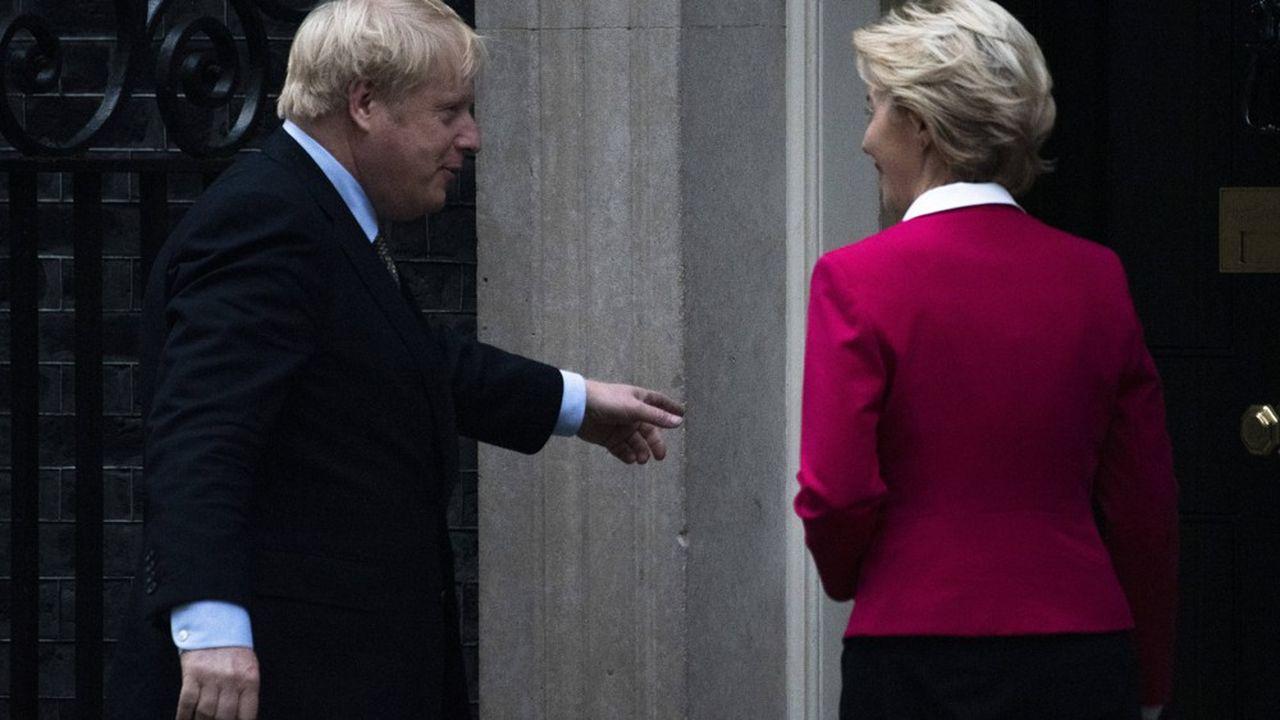 Boris Johnson lors de sa rencontre avec Ursula von der Leyen, la présidente de la Commission européenne, en janvier dernier.