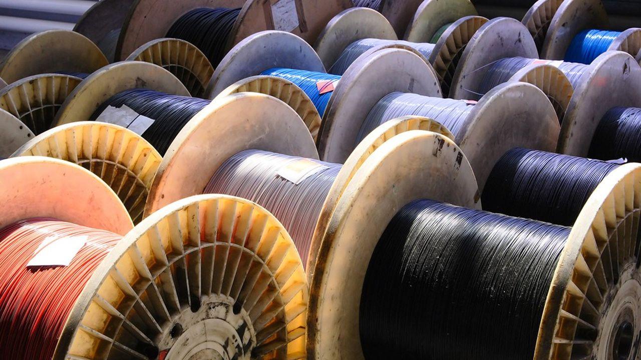 Pour la troisième année d'affilée, la fibre optique continue de tirer les investissements des opérateurs.