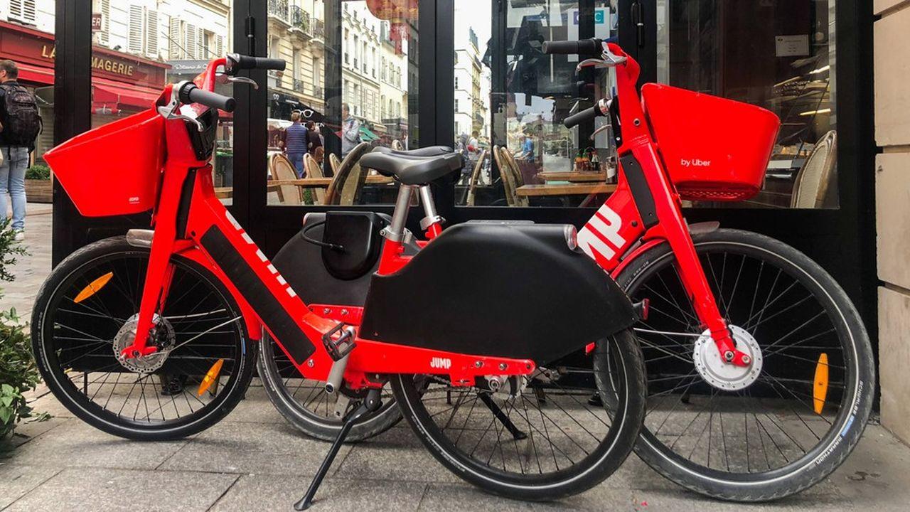 Ces derniers jours, les utilisateurs parisiens des deux-roues rouge vif ont eu la désagréable surprise de les voir disparaître de la chaussée. Il s'agit d'une pause dans le service, avant un redéploiement par le nouvel opérateur.