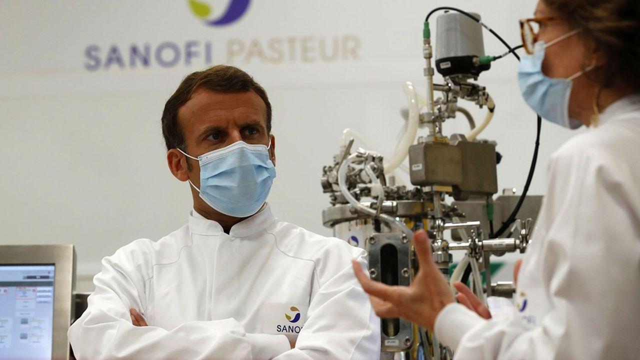 Emmanuel Macron a visité le site de Sanofi Pasteur de Marcy-L'Etoile près de Lyon et annoncé de nouvelles mesures en faveur des relocalisations industrielles