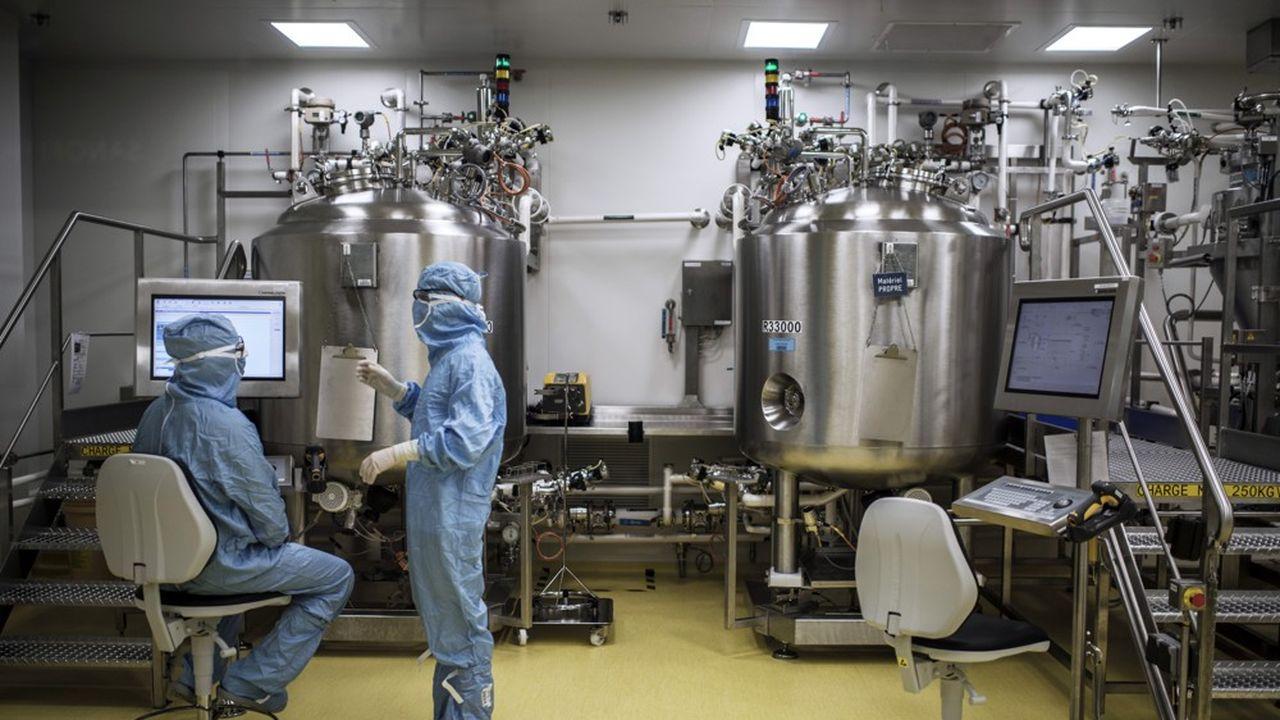 Sanofi a reconverti le site de Neuville-sur-Saone qui fabriquait des principes actifs pour produire son vaccin contre la dengue.