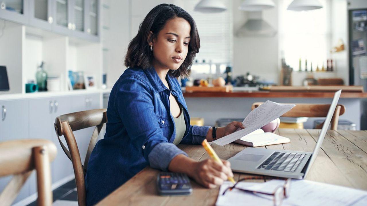 Les représentants du personnel dans les banques sondent les salariés pour savoir comment ils ont vécu cette période et les conclusions qui peuvent en être tirées.