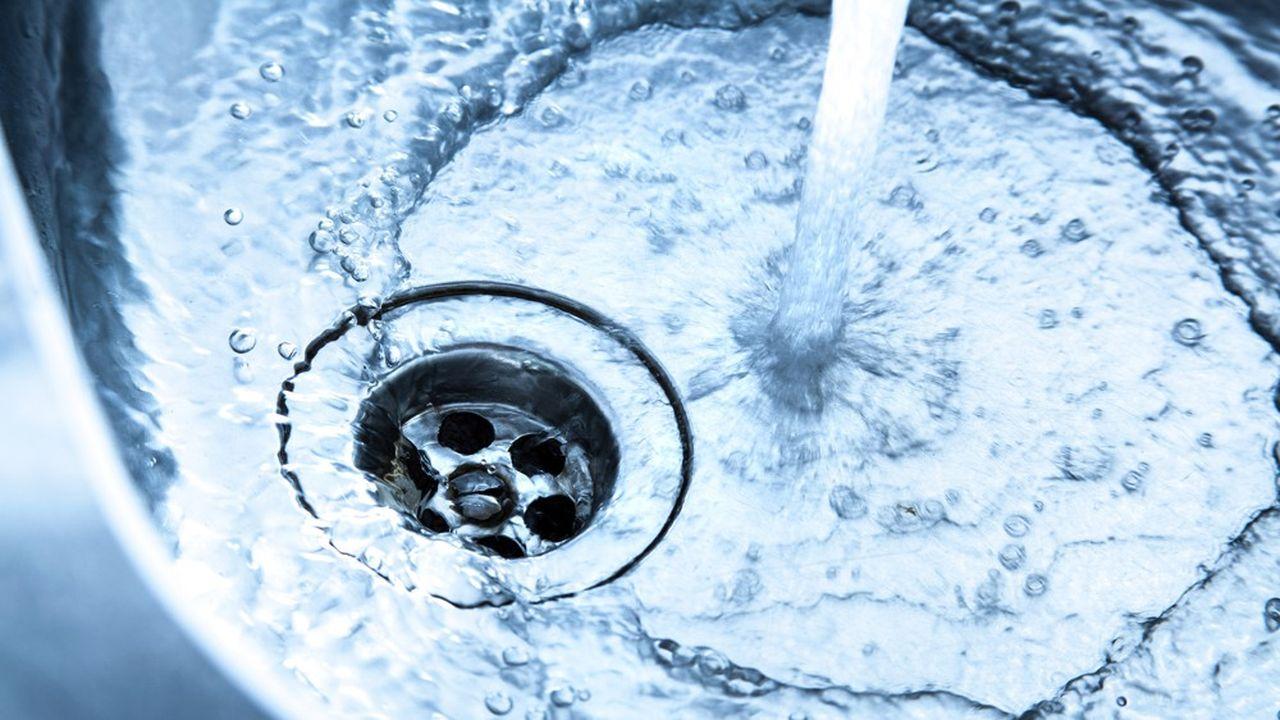 En 2018, «90,6% de la population a été alimentée en permanence par de l'eau respectant les limites de qualité réglementaires pour les pesticides», selon le ministère de la Santé. Une réponse à l'étude de l'association Générations Futures pointant la présence de perturbateurs endocriniens dans l'eau du robinet.
