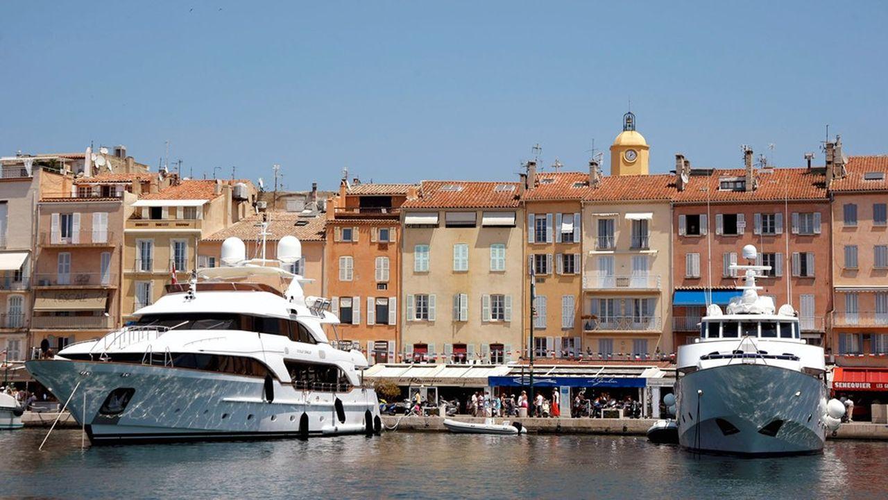 La région offre aux plaisanciers 147 ports et 60.000 anneaux, les yachts apportant les meilleures rémunérations.