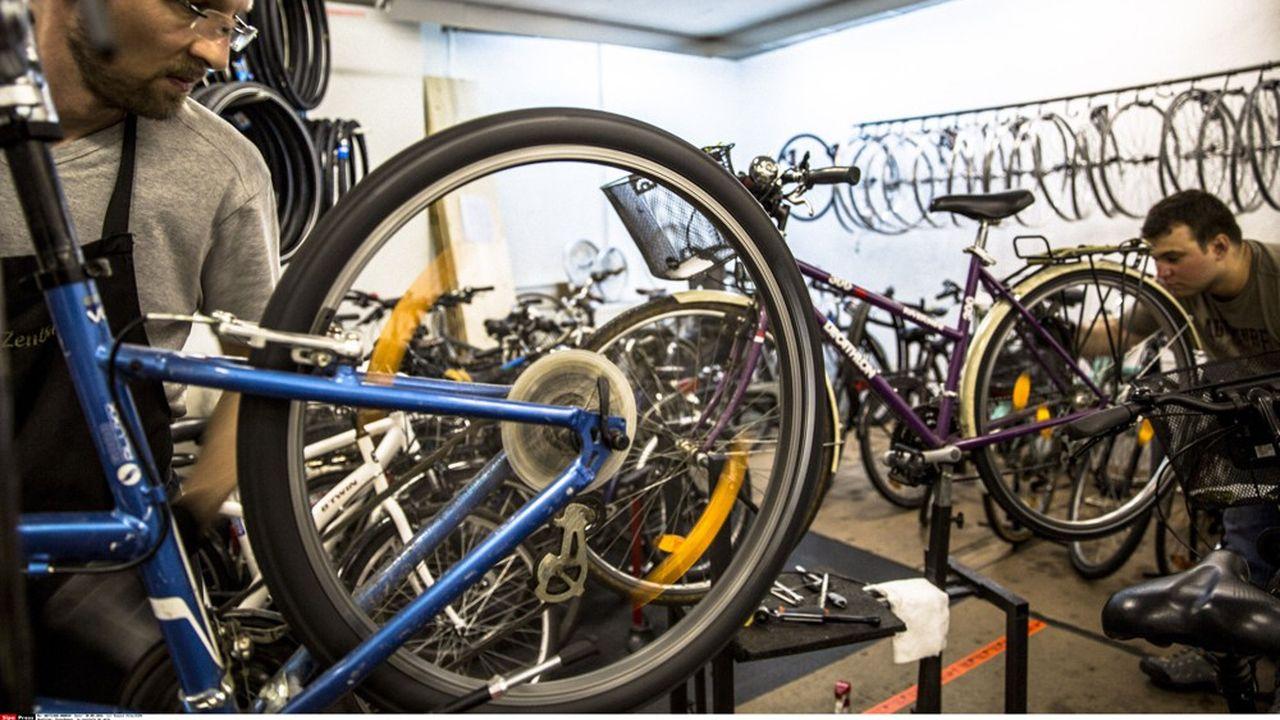 Le dispositif « Coup de pouce vélo » prévoit de verser jusqu'à 50 euros de prime pour redonner vie à son vieux vélo.