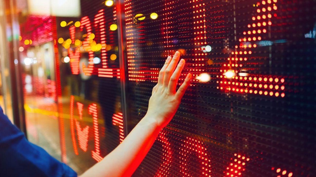 Les actionnaires doivent naviguer en deux écueils: sortir du marché et manquer un rebond ou s'exposer à une nouvelle chute des cours.