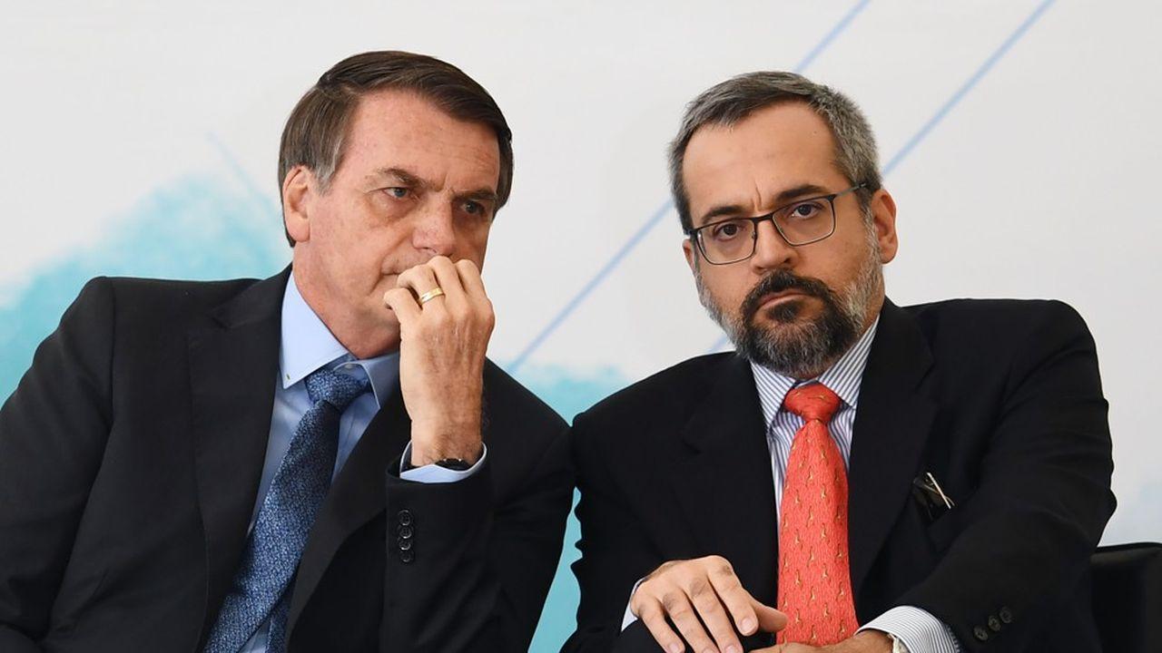 Le départ d'Abraham Weintraubétait attendu, surtout depuis ses commentaires incendiaires sur les juges de la Cour suprême, avec laquelle Jair Bolsonaro se livre actuellement à un bras de fer.