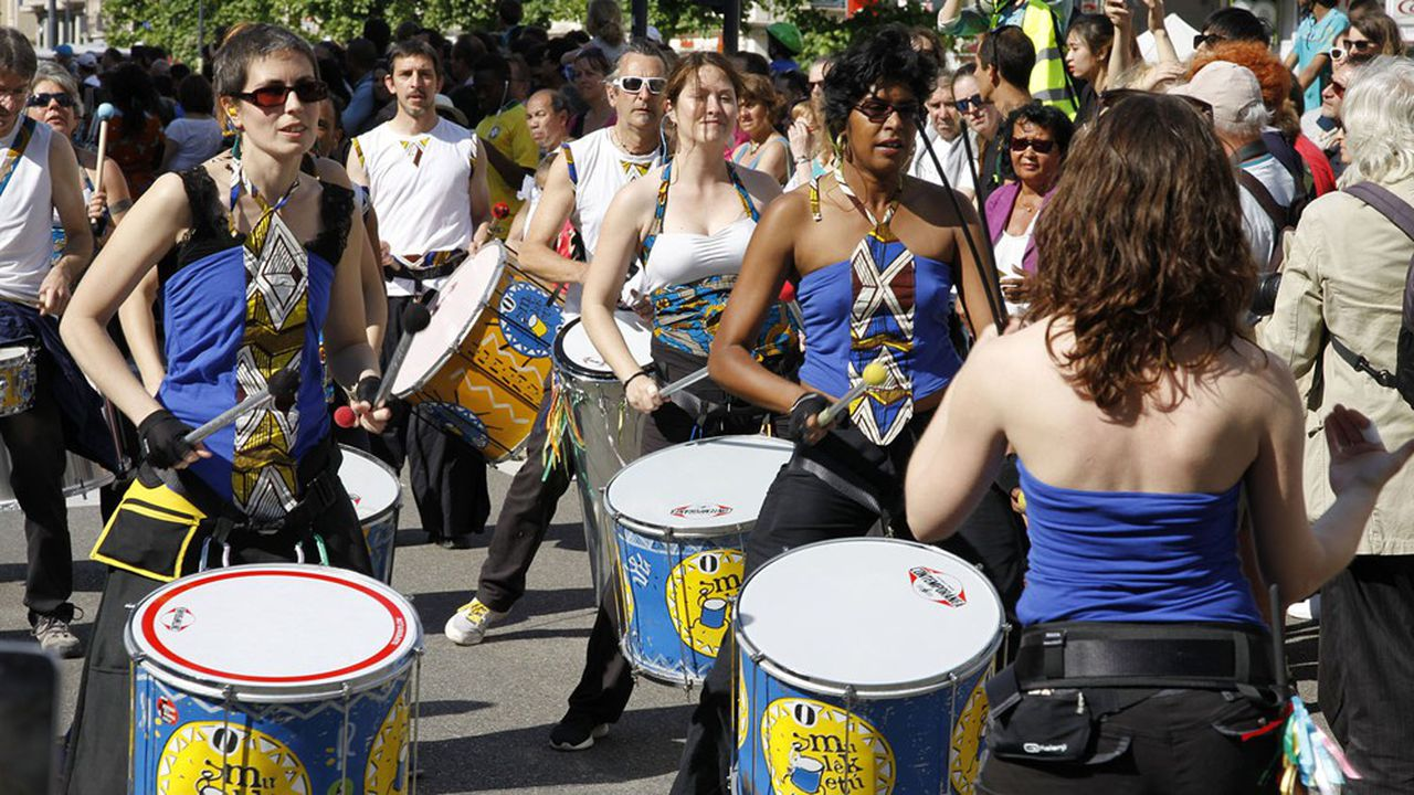 Seuls les concerts de rue ayant obtenu une autorisation du préfet de département pourront avoir lieu.