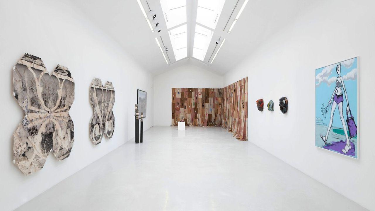 Emmanuel Perrotin a imaginé l'opération #RestonsUnis dans l'une de ses galeries du Marais.