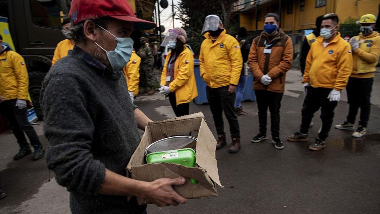 Les perspectives économiques du Chili sont fortement assombries par l'explosion de la pandémie de coronavirus.