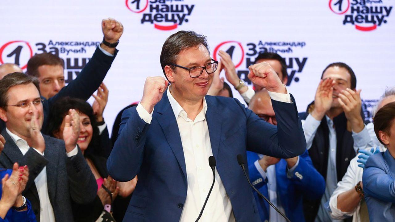 Aleksandar Vucic ne se présentait pas mais son nom figurait sur les bulletins de vote en tant que patron du SNS, le parti au pouvoir depuis 2012.