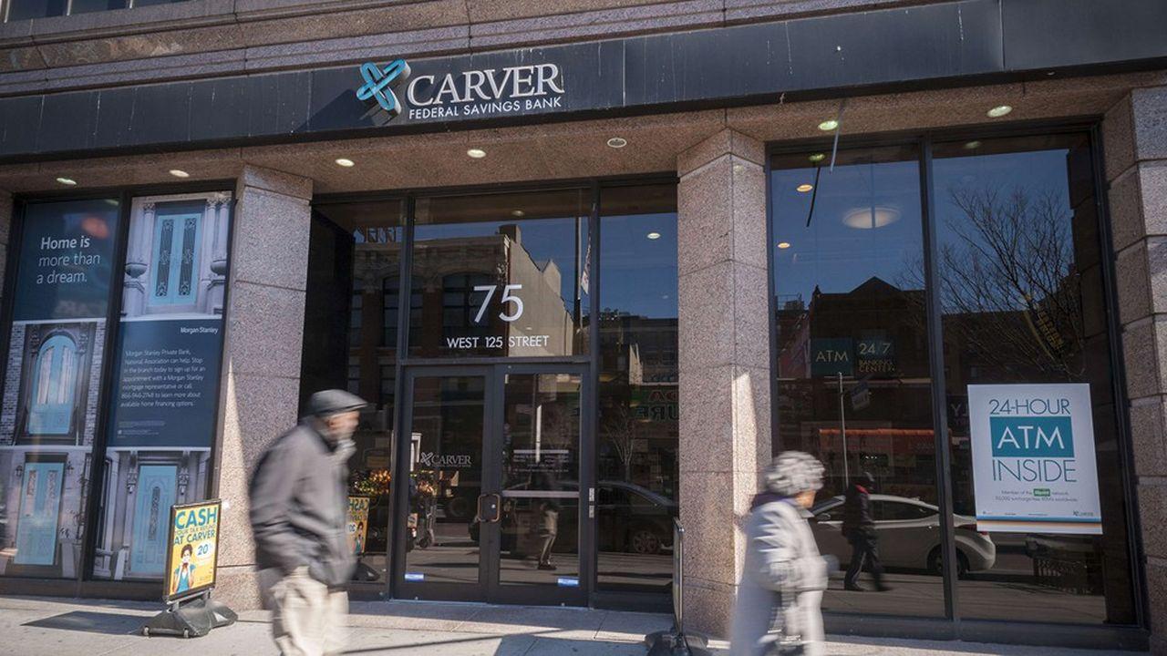 Carver Bank affirme que 80% des dépôts de ses clients sont investis dans la communauté afro-américaine.