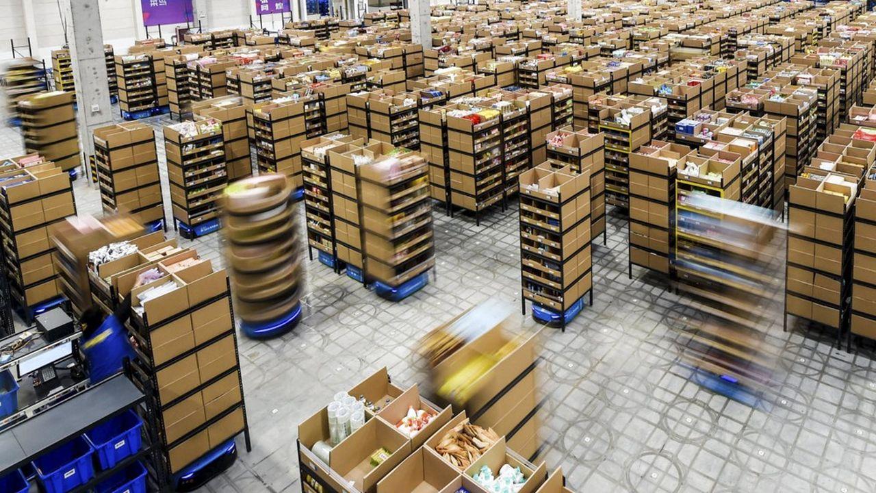 A l'heure où le commerce électronique reprend une belle vigueur en cette période post-Covid, les dispositifs automatisés et robotisés sont plus que jamais nécessaires à l'entrepôt.