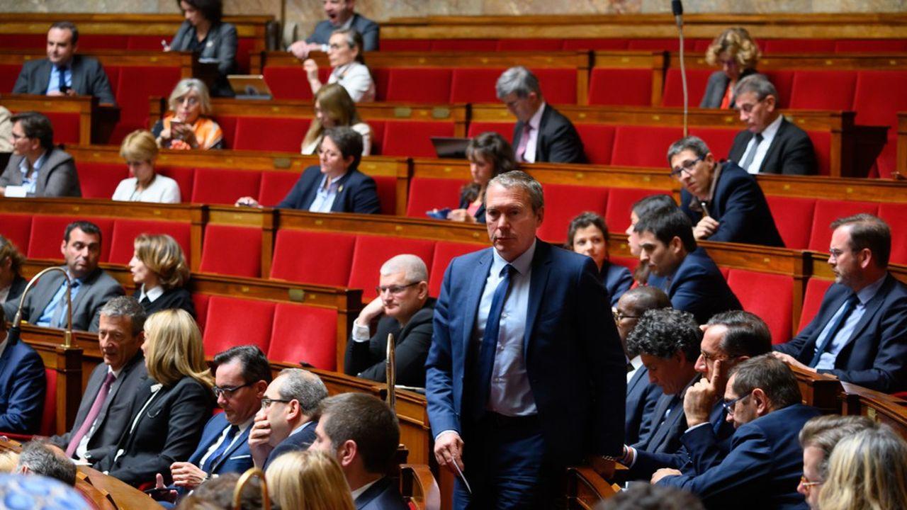 Les «marcheurs», dont l'ancien patron du Raid, Jean-Michel Fauvergue, ont jugé le bracelet «incontournable», et ont prévu qu'il permette de réduire le pointage à une fois par semaine au lieu de trois.