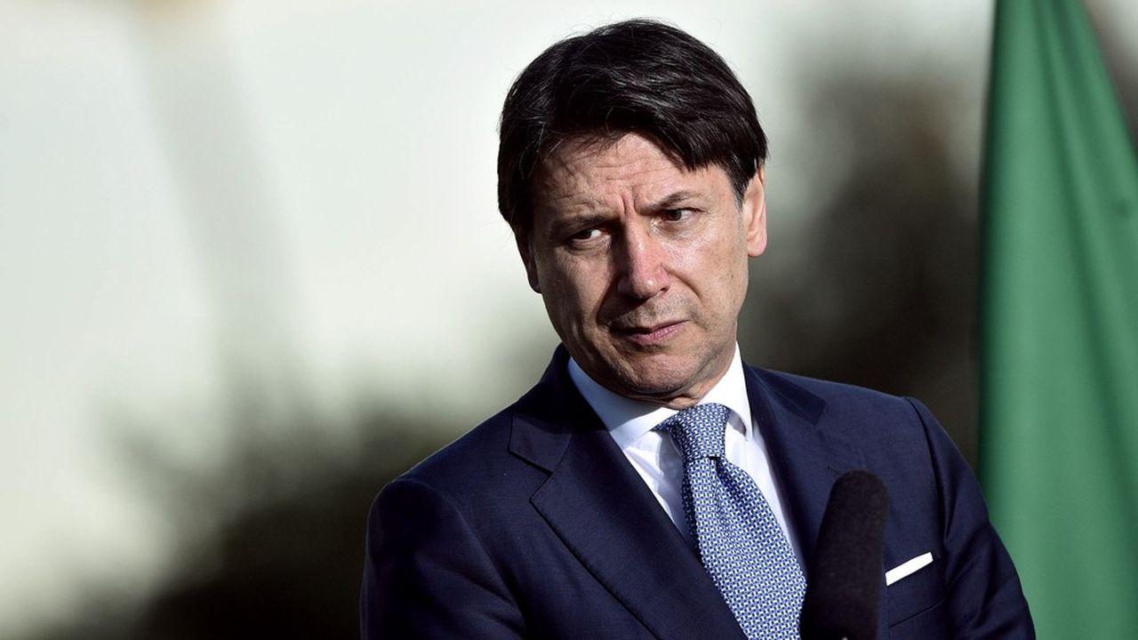 La proposition faite par le président du Conseil Giuseppe Conte de baisser la TVA fait polémique en Italie.