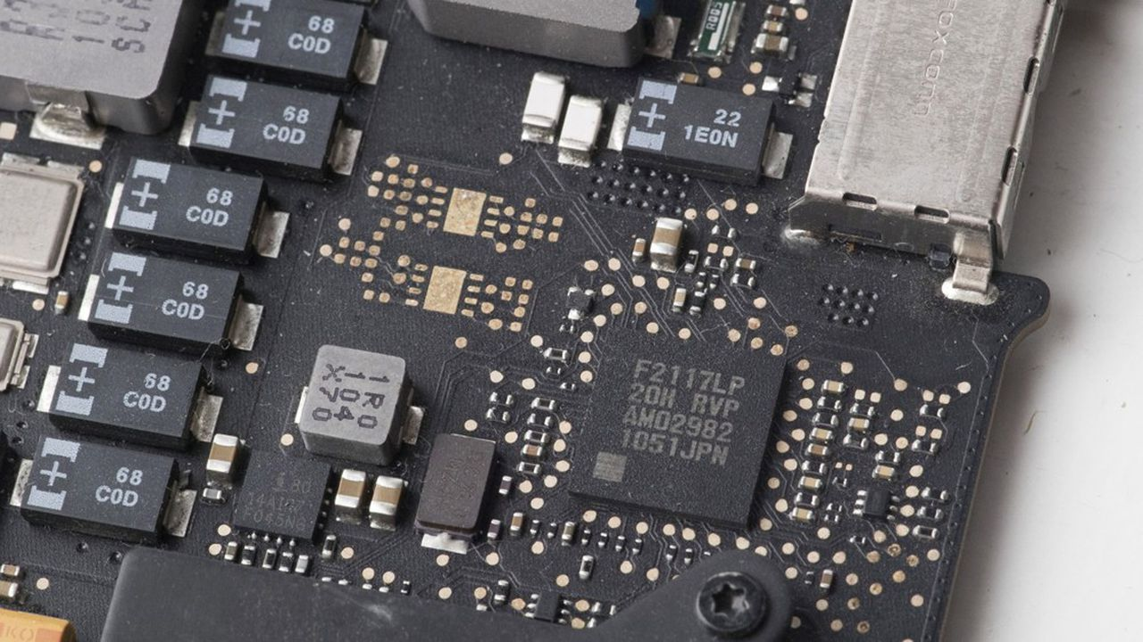 Après quatorze ans de collaboration avec Intel, Apple va peu à peu changer de fournisseur pour les processeurs de ses ordinateurs Mac.