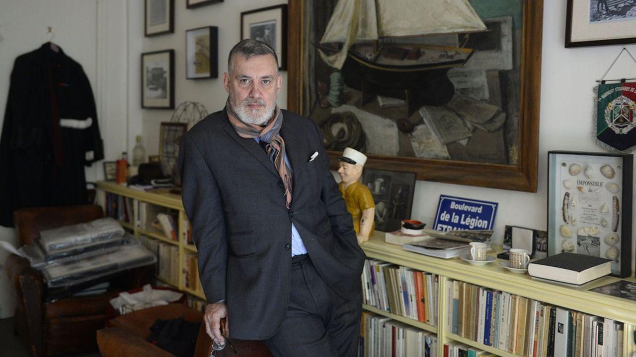 François Sureau, dans son bureau à Paris, songe à la Seine...