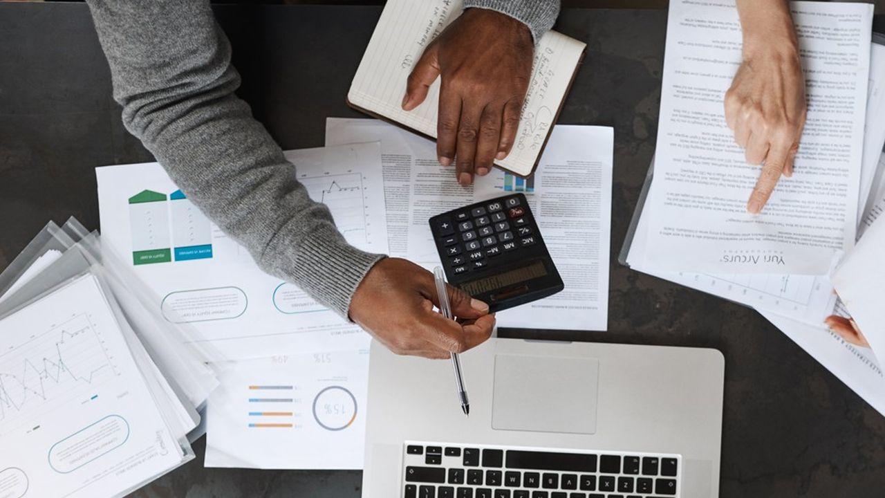 En mai, les montants placés par les épargnants en assurance-vie ont reculé de 2,2milliards d'euros.