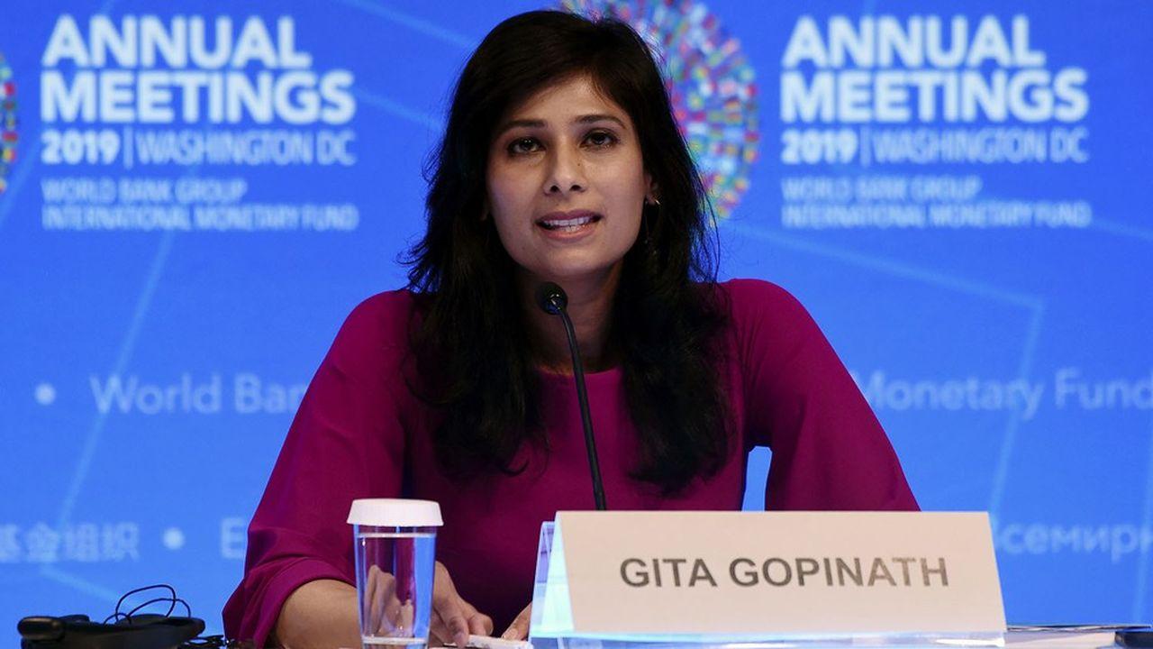 Gita Gopinath, l'économiste en chef du FMI pointe le niveau record de dettes publiques rapporté au PIB.