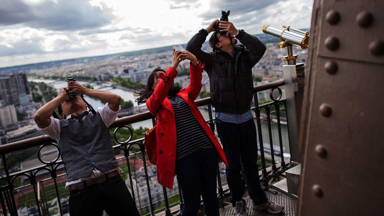 Le nombre maximum de visiteurs autorisés par étage a également été revu à la baisse pour la réouverture de la tour Eiffel.