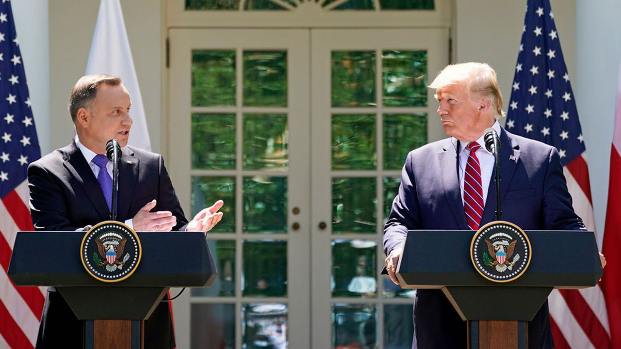 Le président polonais, Andrzej Duda, était jeudi aux côtés du président américain Donald Trump pour une conférence de presse commune dans les jardins de la Maison Blanche.