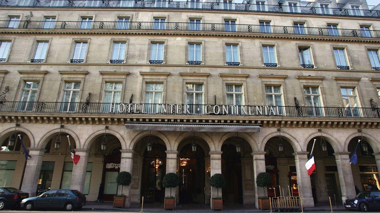 Entre les attentats, les «gilets jaunes», les grèves contre la réforme des retraites et le coronavirus, la dernière saison «normale» des palaces parisiens remonte à 2014.