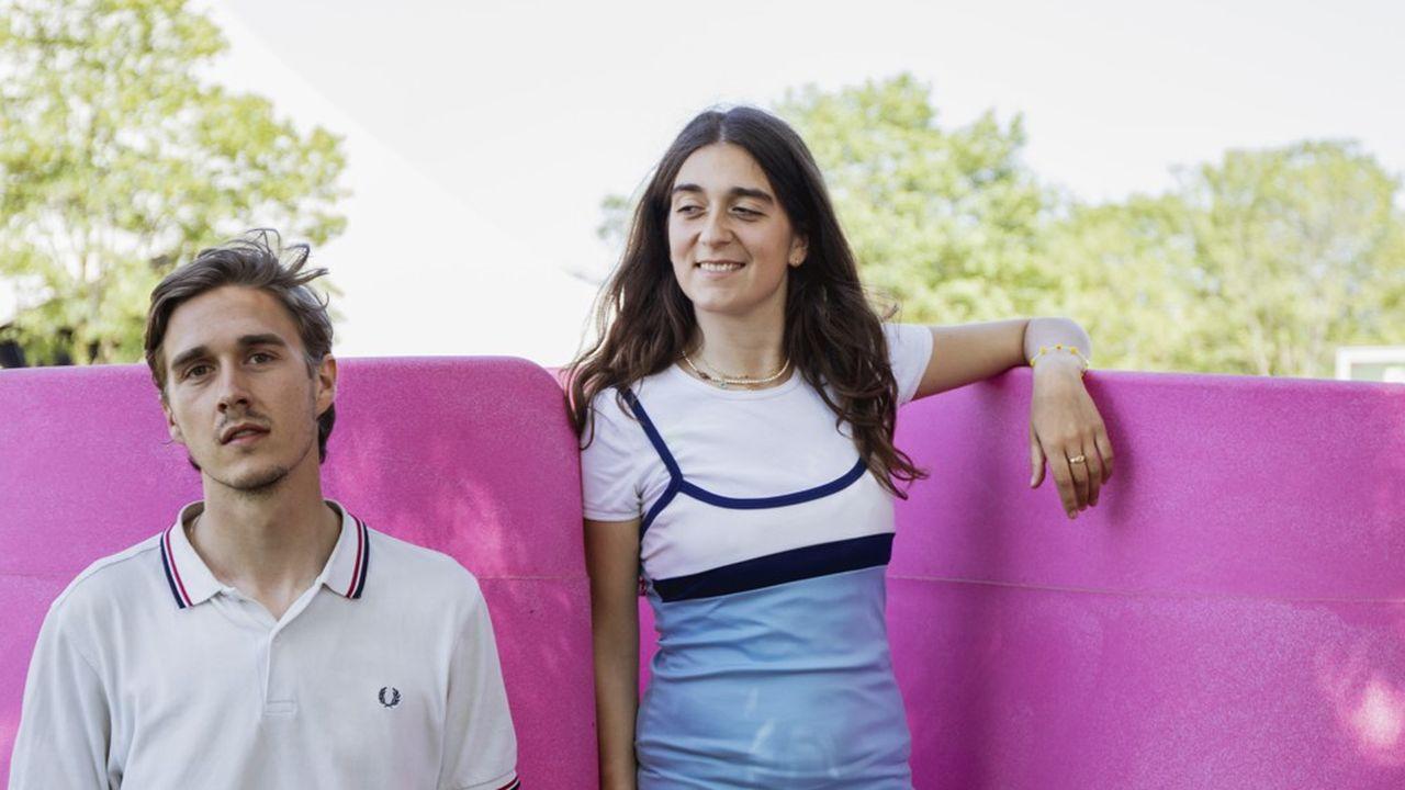 La Française Gina Perier, 26 ans, et le Danois Alexander Egebjerg, tous deux architectes, ont créé Lapee, un urinoir féminin portatif aujourd'hui utilisé dans 12 pays.
