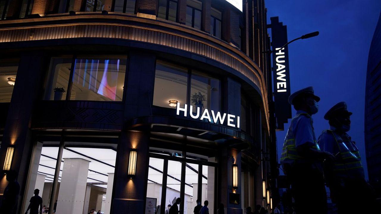 La présence de Huawei dans cette liste est donc une nouvelle étape dans la bataille entre la société électronique et L'Oncle Sam.