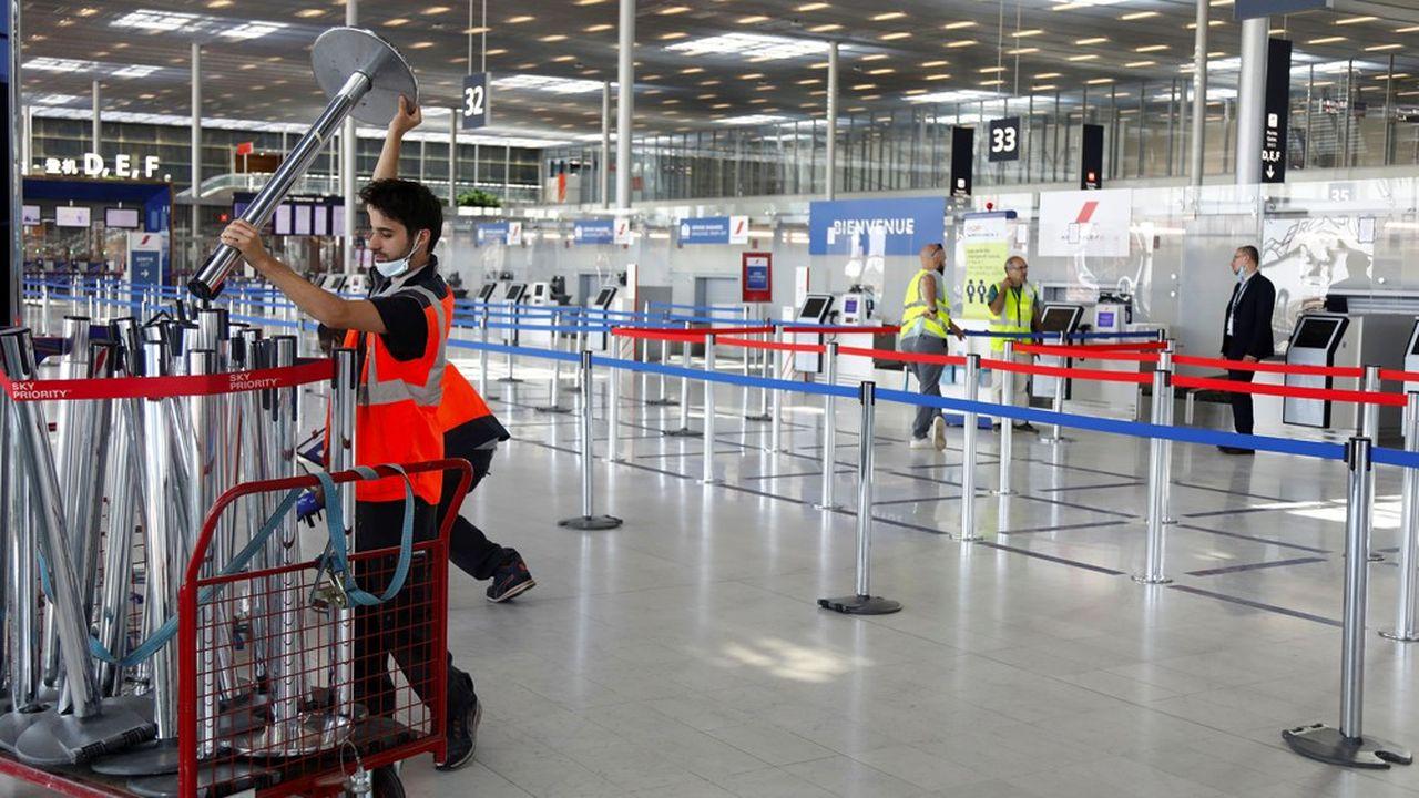 Préparatifs pour la réouverture partielle d'Orly au trafic passagers à compterdu 26juin.