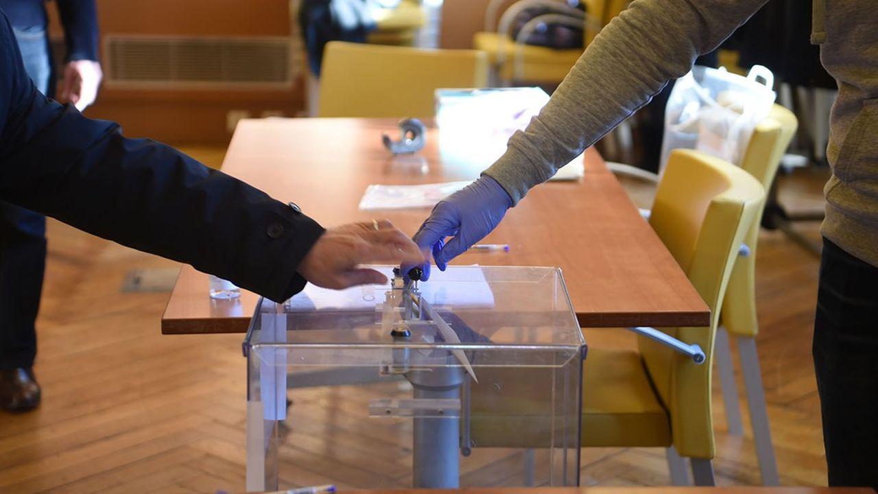 Un bureau de vote, le 15mars dernier.