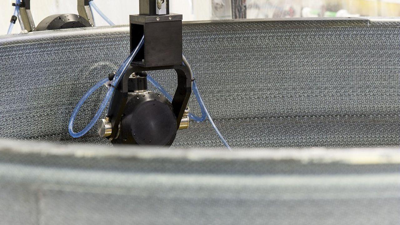 Ce carter en composite pour les moteurs LEAP illustre par exemple le procédé de tissage 3D de fibres carbone de Safran.
